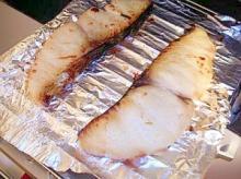 目からウロコ!? グリルを汚さず魚を焼く方法!