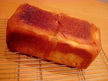 自家製酵母ではちみつミルク食パン♪