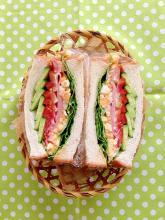 お野菜たっぷりハム玉子うに醤油サンドイッチ♪