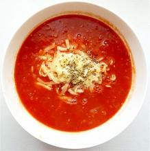 トマトジュースで トマトチーズラーメン